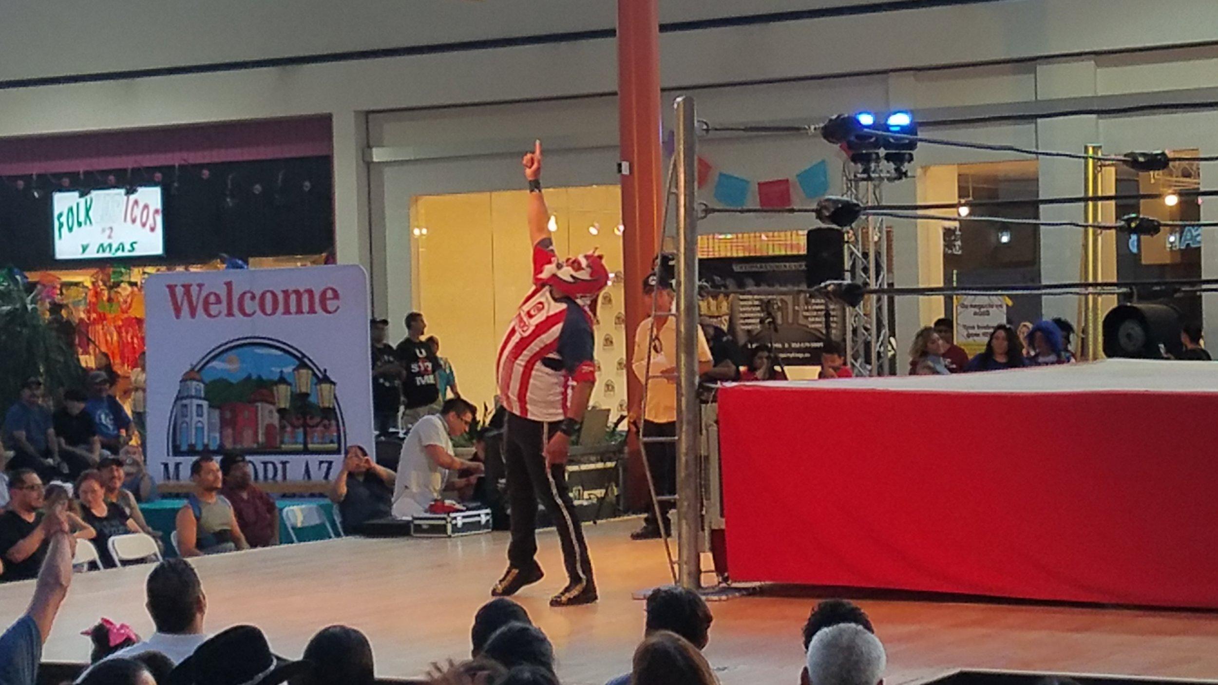 Lucha Libre @ MacroPlaza Mall
