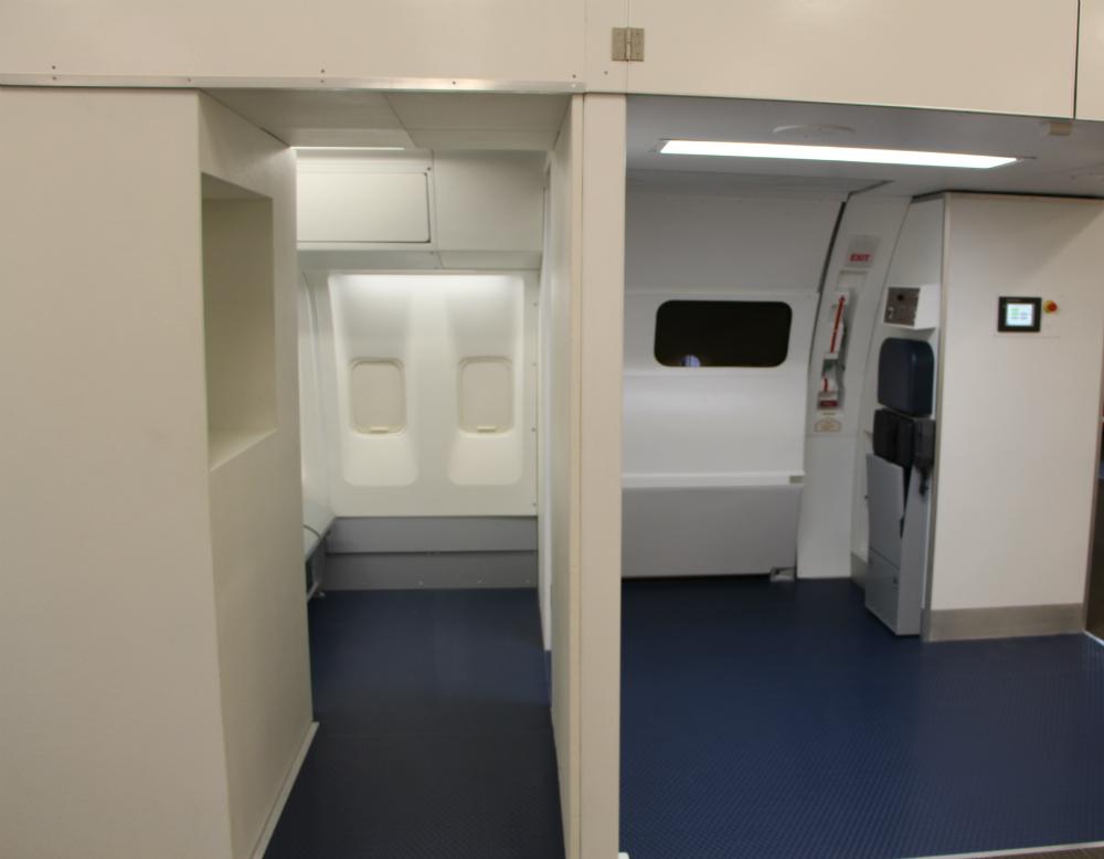 B-767 Extended Door Trainer