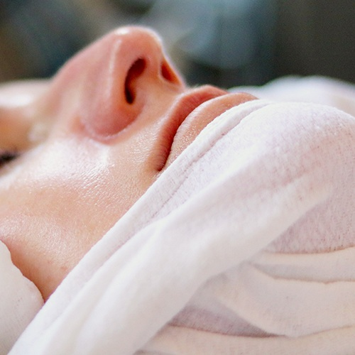 Anti-Aging - 60min $95 | 60min Organic $110This one-of-a-kind treatment is designed to lift and sculpt the look of sagging, aging skin. A deep cleansing and exfoliation prepares your skin for the application of our powerful active firming mask, designed to lift and tighten the feel of skin. You'll see and feel the renewing benefits immediately, as poor elasticity, dullness and lines improve.
