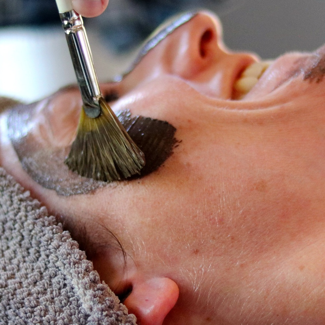 Microdermabrasion - Micro Deluxe Facial 60min $160Serum Infused Dermabrasion 30min $125Diamond Tip Microdermabrasion 30min $105Combine dermabrasion with a full facial, or choose a session that is just focused on dermabrasion. We offer both traditional diamond tip and serum infused wet dermabrasion.