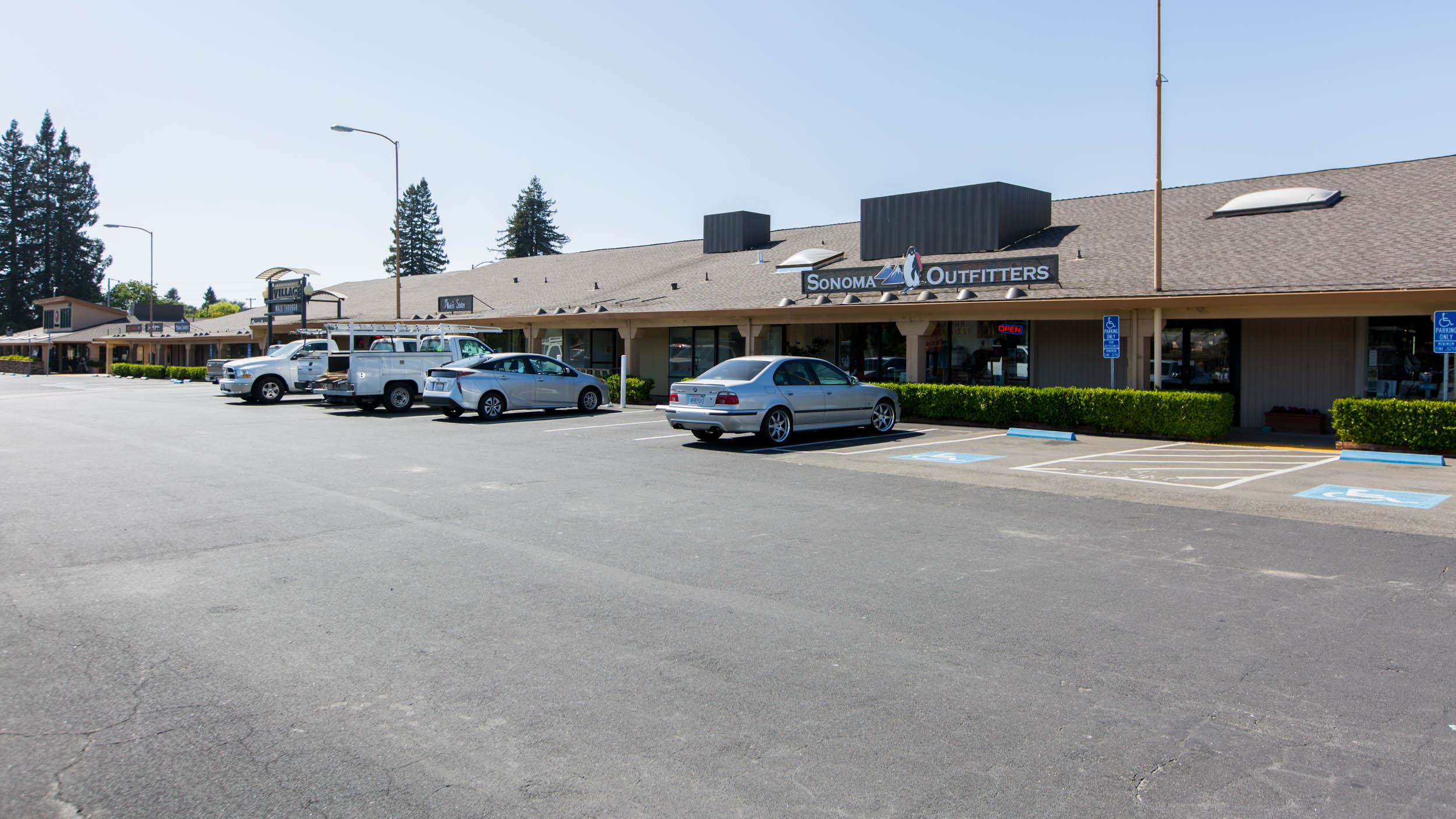 Sonoma Ave. Entrance and Parking at Montgomery Village