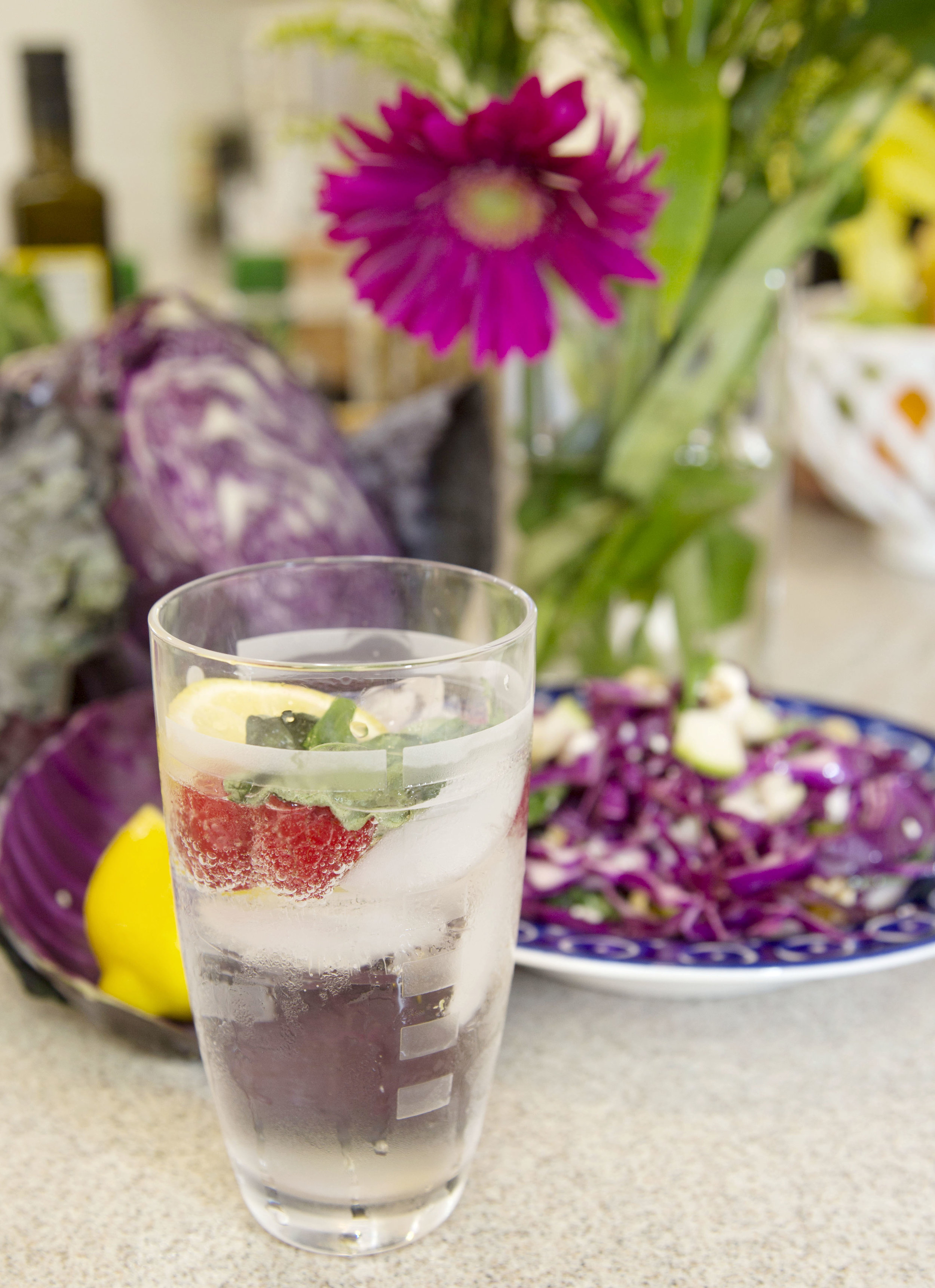 SPARKLING WATER WITH FRUIT 266A1774.jpg