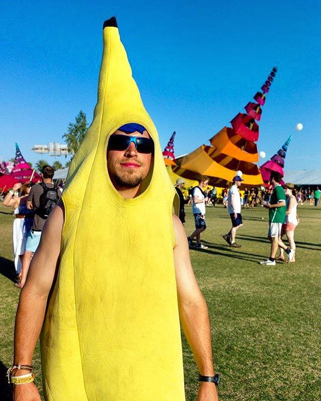 Inspo for your #Coachella Day 1, Week 1 outfit 🤙🏼🍌 . If you're still looking for an outfit that stands out from the crowd DM us and we'll send you a #banana costume (seriously). . . #coachellaoutfit #coachella2019 #coachellafashion #surfcity #huntingtonbeach #charity #worldrecord #orangecounty #socal #California #fashion #indio #week1