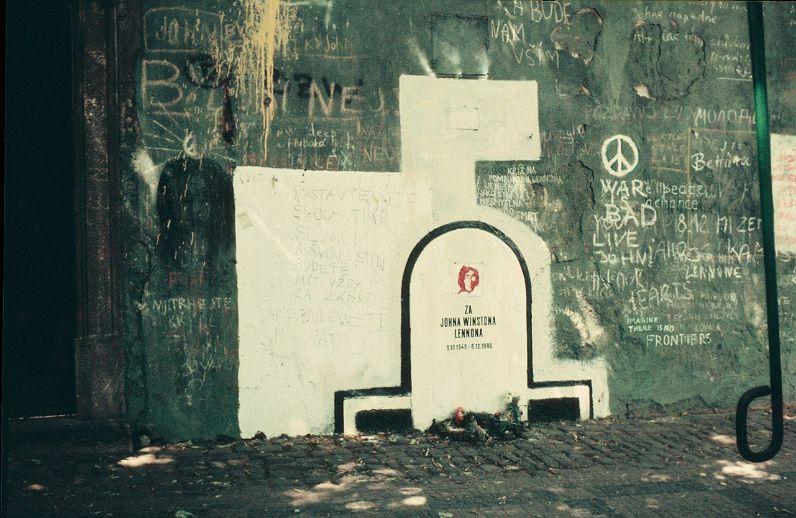 1983年的約翰藍儂牆
