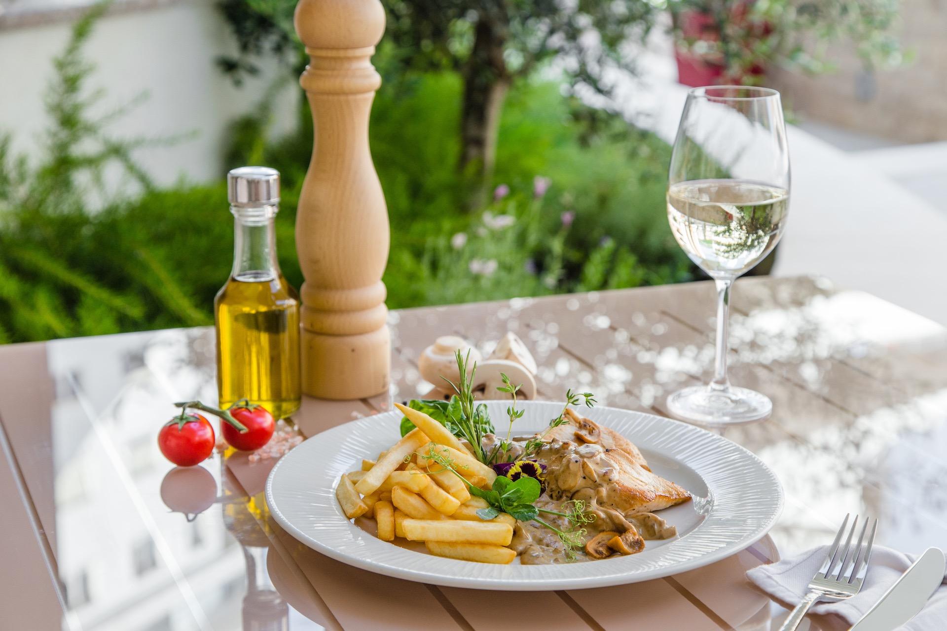 Restaurant Anatolia lounge cafe becici montenegro budva poll 1.jpeg