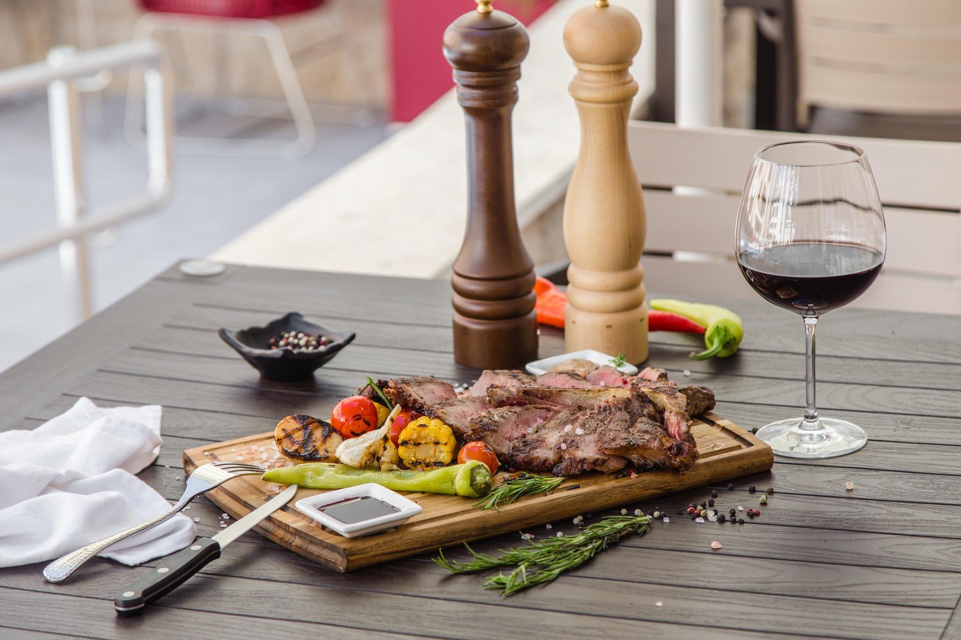 Restaurant Anatolia lounge cafe becici montenegro budva poll 4.jpeg