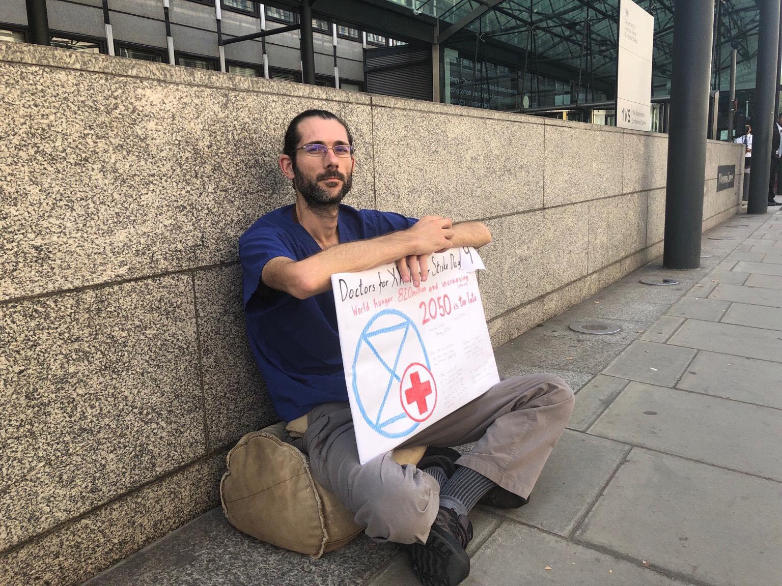 dr-kendall-hunger-strike-5.jpg