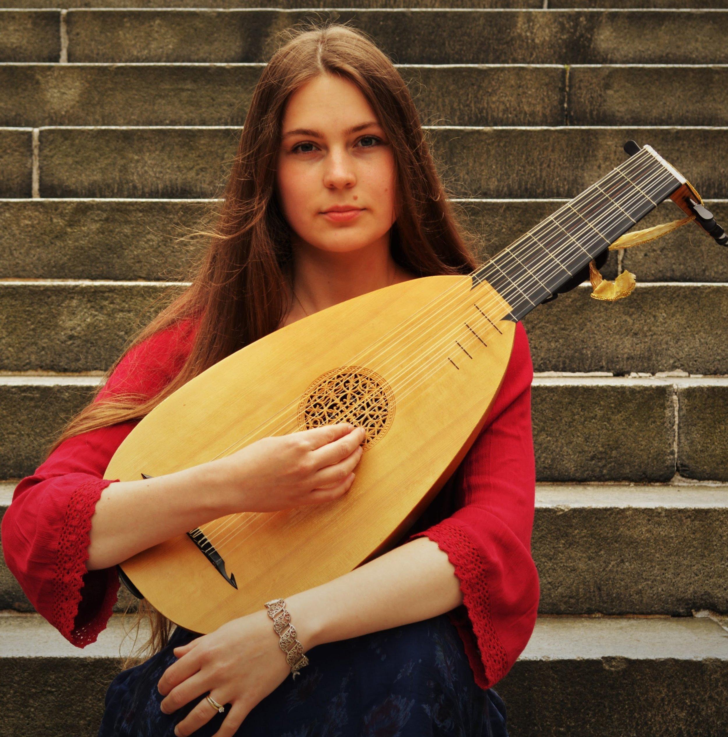 Kristiina Watt - Lutenist / soprano