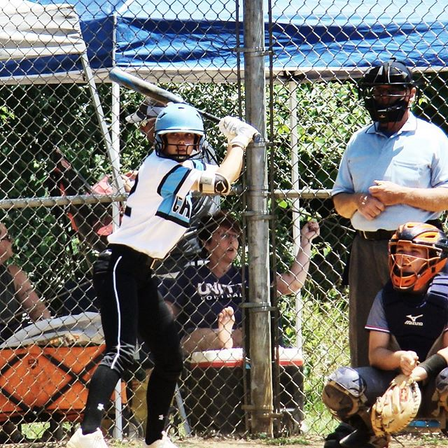 @catelynthrush is a youth softBALLER who is KILLING it in the weight room⁠ 👊⁠⠀ ⁠⠀ 🏋️‍♀️Female athletes who develop their strength, coordination, body awareness, and power FIRST are always better players AFTER⁠.⁠⠀ ⁠⠀ Proud of you Catelyn! ⁠⠀ ⁠⠀ ____________________⁠⠀ ⁠⠀ ⁠⠀ #prettystrong #movewellplaybetter #femaleathletes #girlswholift #girlswholiftheavy #strengthtraining #fitness #health #training #workout #motivation #strength #relentlessathletics #relentless #weightlifting #athlete