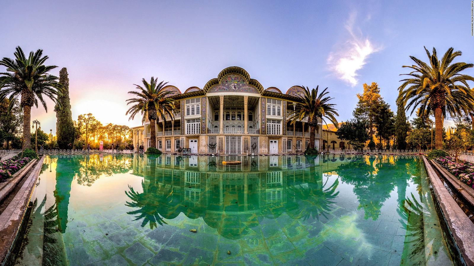 160210133440-eram-garden--shiraz-7-full-169.jpg