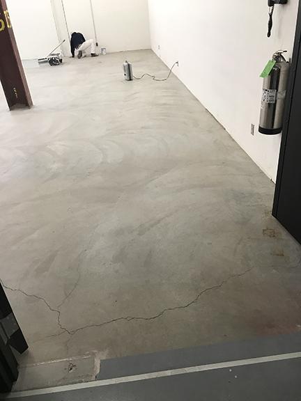 painting floor_concrete_AB74AF9E-DD4C-4617-8CF0-3F870AF57D08~photo.jpg