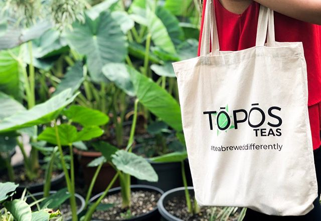 Happy #EarthDay 🌍One small step to a cleaner planet is taking your own reusable bags grocery shopping. ♻️🍵 Find us at a #Wholefoodsphilly demo to claim your #teabreweddifferently tote bag. (Just show us this post and promise you'll never use plastic bags again.) ♻️ •Topos Teas is bottled in PET plastic. PET uses less resources to transport and produce, bottles are suitable for multiple uses and completely recyclable. #staygreen #petplastic