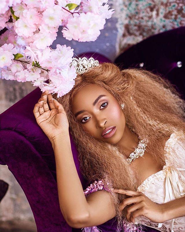 "#repost @shelleraiphotos #inspiredbyher  Shot by the Founder of #thevccollective ・・・ ""If it ain't Baroque...."" 👸🏾 • • • Muse: @faithxfierce Makeup: @beautybunnycosmetics  Everything styled by me ~ • • • • #beautyofawomen #portraitsnyc #portrait_ig #portraitvision #pursuitofportraits #nycmodel #make_portraits #artofvisuals #discoverportrait #afropunk #melaninpoppin #blackexcellence #blackslayingit #igphotoworld #shoot2kill #fashionstyle #fashionphotographer #beautyphotography #afrohair #blackhairmagic #melaninonfleek #blackfemalephotographers"