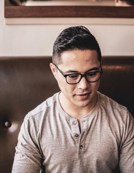 I Help Entrepreneurs Build pROFITABLE Digital Marketing Strategies -