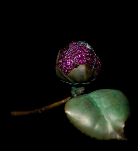 Camellia brooch with pavé-set petals, by JAR, 2010.