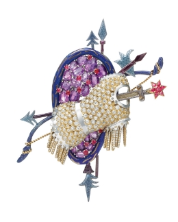 The Trophee de Vaillance brooch. Sold in 1998 at auction for US$120,000.