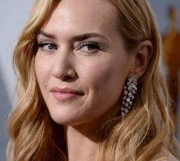 Always simply turned out but chic, Kate Winslet was quietly elegant in her diamond cascade earrings by Indian jeweller Nirav Modi.