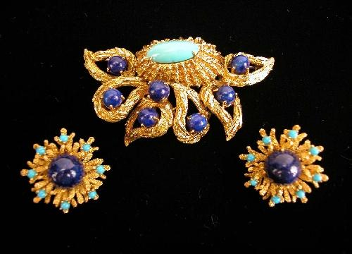 An 18K Yellow Gold, Lapis Lazuli and Turquoise Brooch and Earclips, by Marianne Ostier