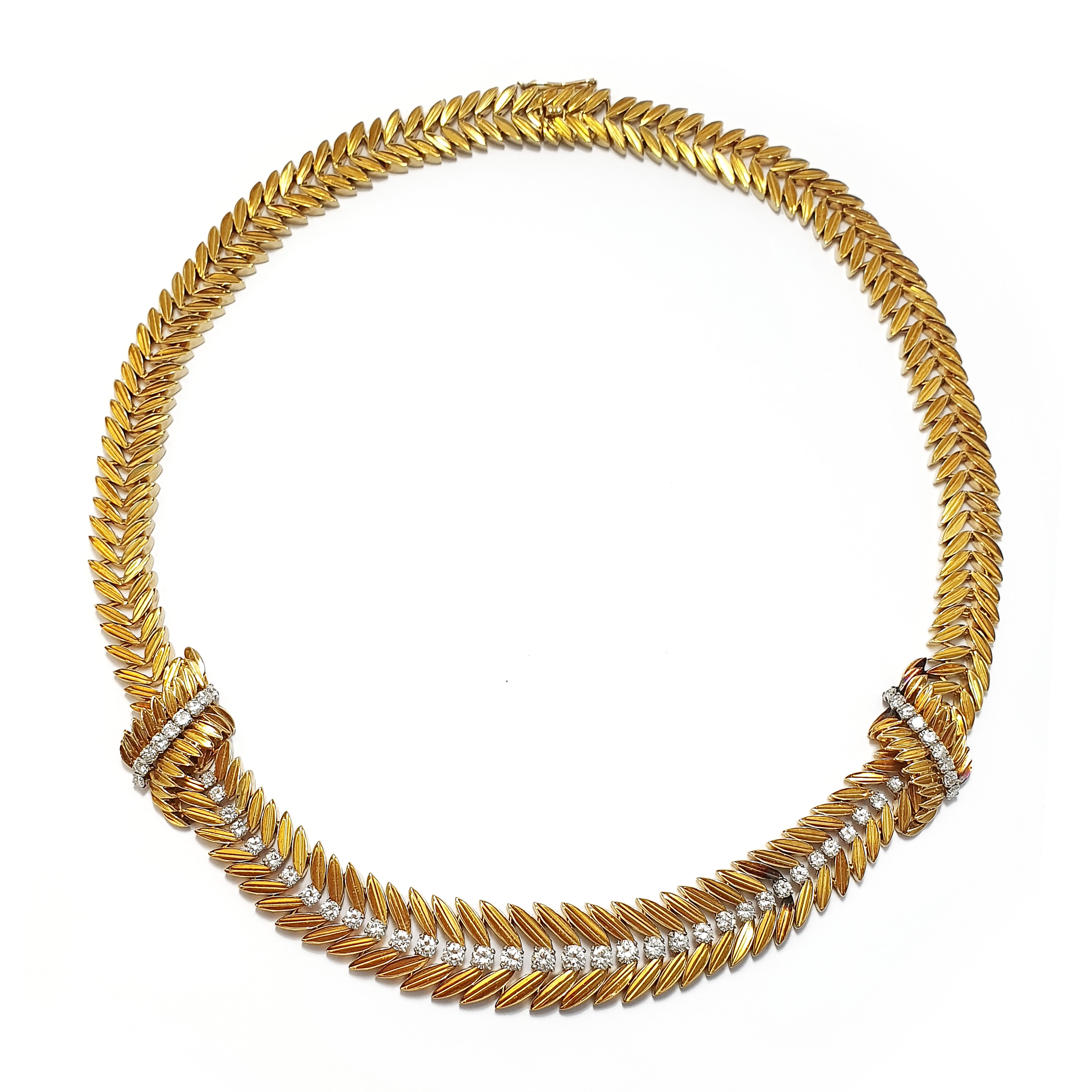 NK91 050919 Chantilly necklace by Van Cleef and Arpels.jpg