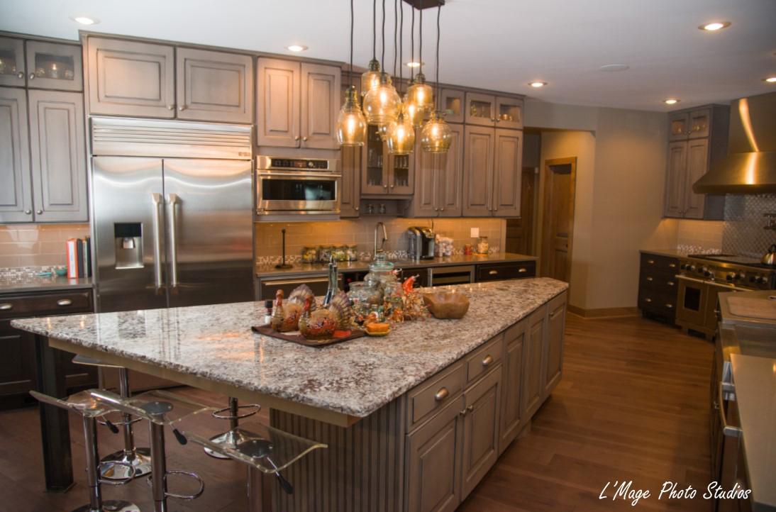 Belles Kitchen 1 w photo credit_edited-1.jpg