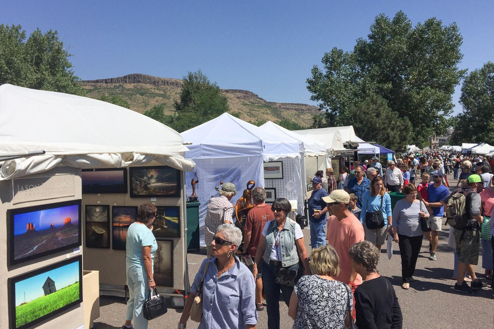 2016-golden-art-festival-crowd