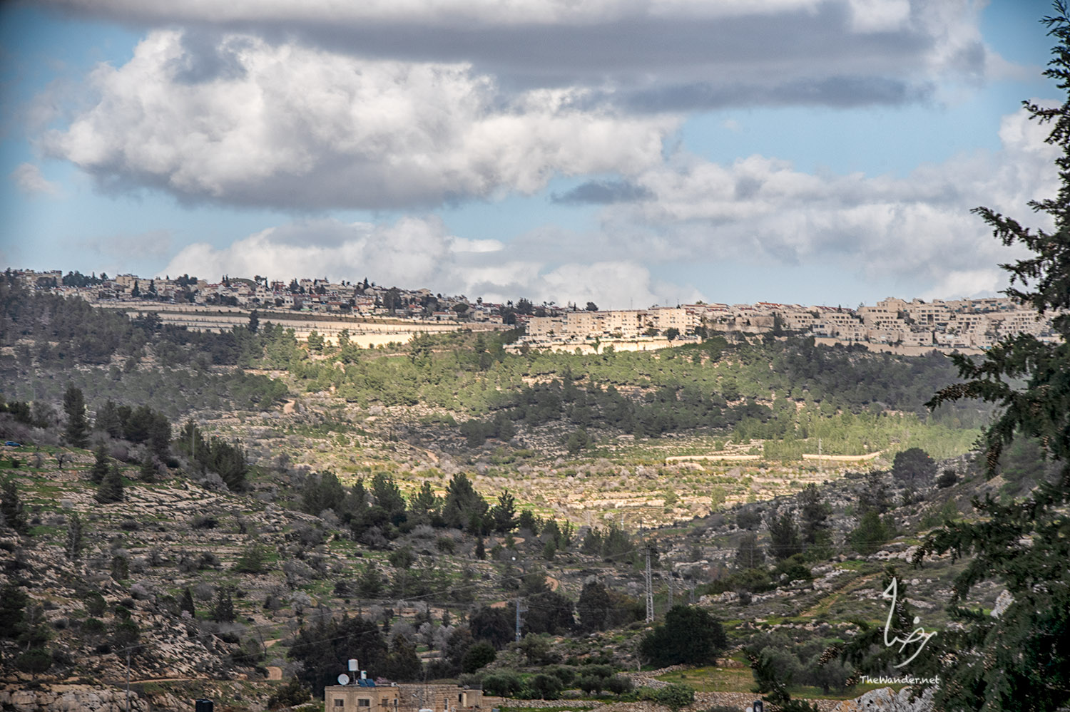 Settlements across Battir