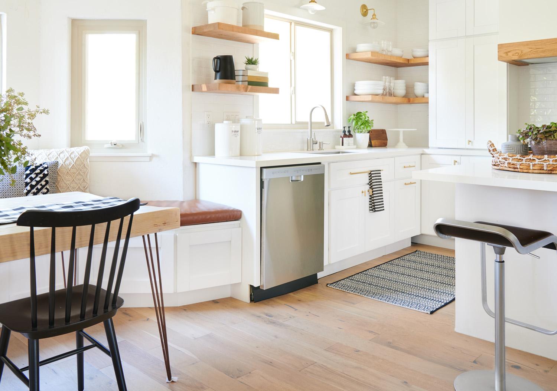 Modern+White Sink _ Dining Angle.jpg