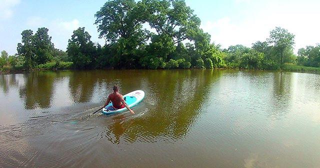 Paddle Board Zen. 🏄♂️ . . . . . #maumeepaddle maumeepaddle.com #toledoohio #ohio #Toledo #paddleboard  #sup  #paddleboarding  #paddle  #standuppaddle  #suplife  #watersports  #kayak  #standuppaddleboard  #standuppaddleboarding #ohiopaddle #ohiokayak #ohiocanoe #ohiobloggers #redpaddlecousa #redpaddleco