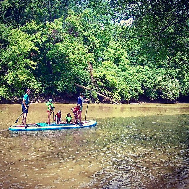 Fun paddle today with Leslie, Zach, and their four girls. Mud facials included. 🏄♀️This is our group board, the XL Ride by Red Paddle Co. 🏄♂️ . . . . . #maumeepaddle #maumeekidspaddle maumeepaddle.com #toledoohio #ohio #Toledo #paddleboard  #sup  #paddleboarding  #paddle  #standuppaddle  #suplife  #watersports  #kayak  #standuppaddleboard  #standuppaddleboarding #ohiopaddle #ohiokayak #ohiocanoe #ohiobloggers #redpaddlecousa #redpaddleco