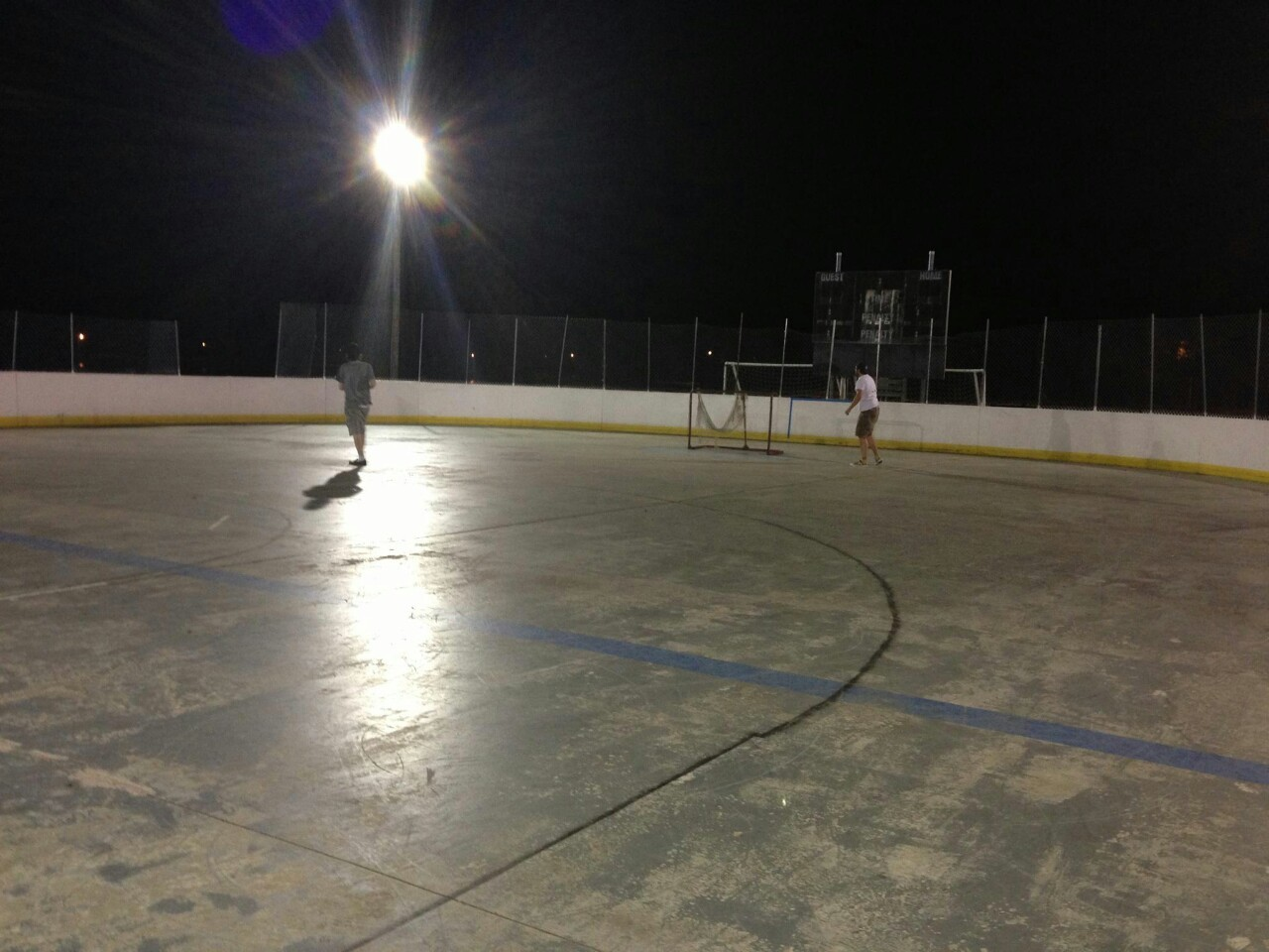 Random street-hockey rink me and Ders will be playing hockey at most nights from now on.