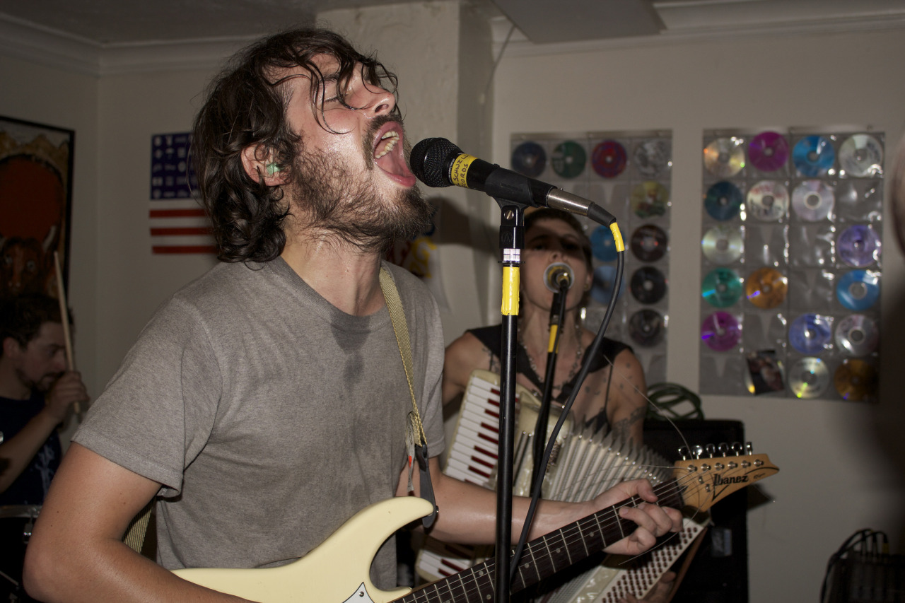 folkpunkmusic :     Ramshackle Glory