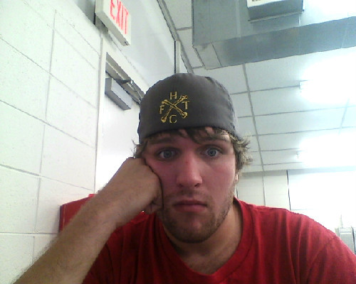 Dude I've been sitting in the computer lab not doing shit for 90 minutes. It's not that the work I have to do is difficult or time consuming, it's just that I have an internet connection.   Also, Frank Turner hat!
