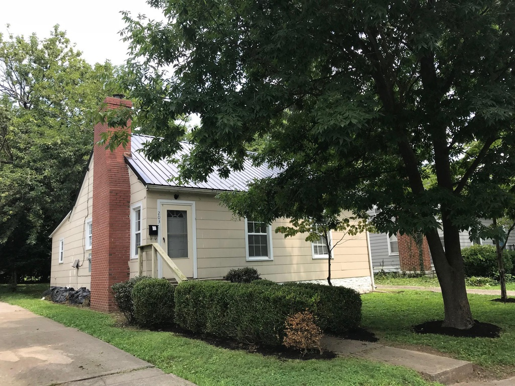 203 WEstwood court - Rented Until August 20203 bedrooms / 1 bathroom$1350 / month