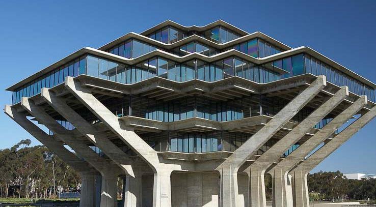 加州大学圣地亚哥分校 - 由在校学生带领的1小时导览。
