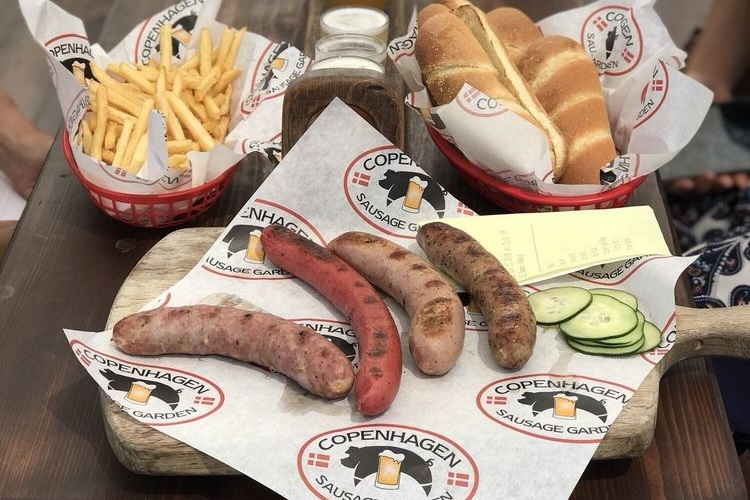 Cophenhagen Sausage garden - The Copenhagen Sausage Garden is an outdoor beer garden located in the heart of Solvang. They offer the famous danish Rød Pølse along with 11 family-made sausages from around the world.
