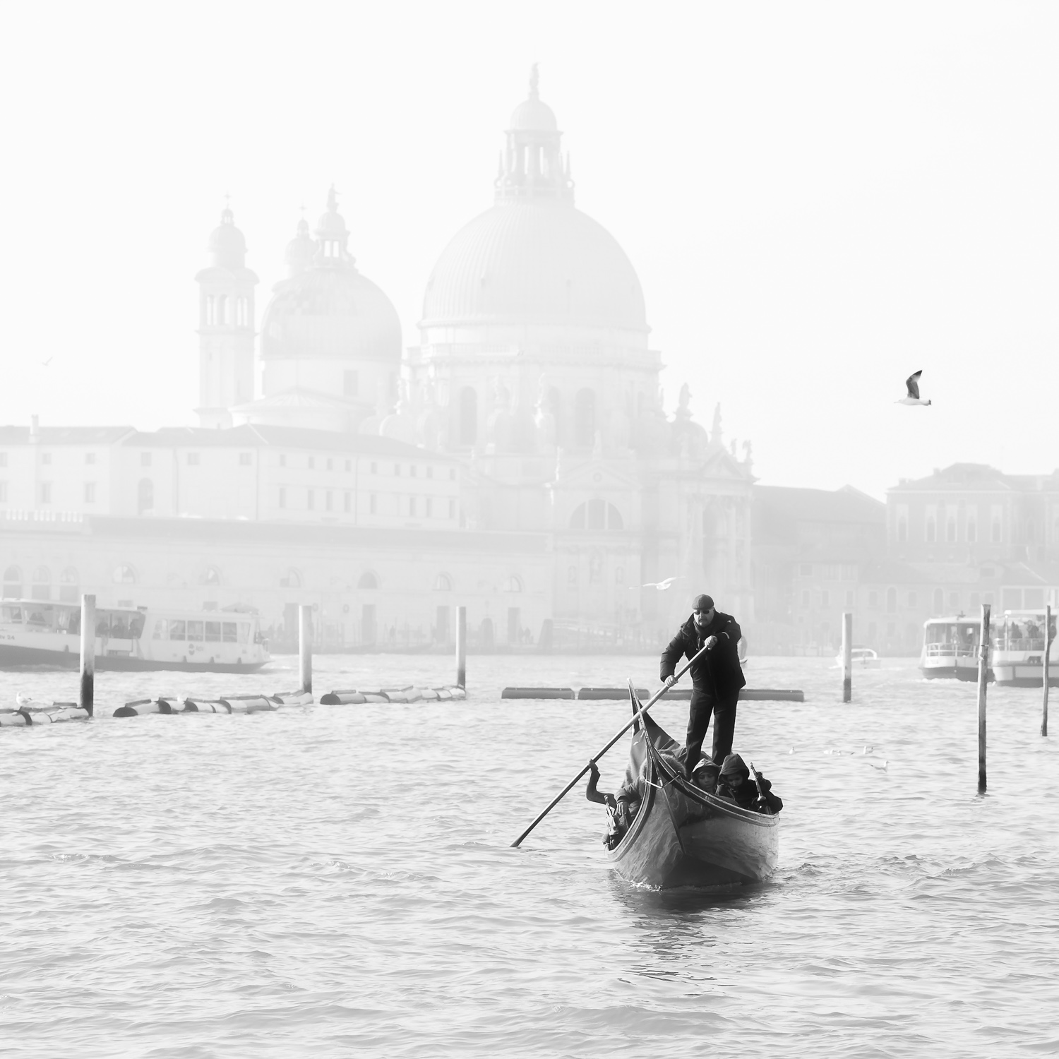 Venice gondolier in action at Grand Canal