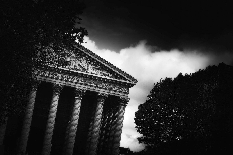 la Madeleine church black & white in Paris