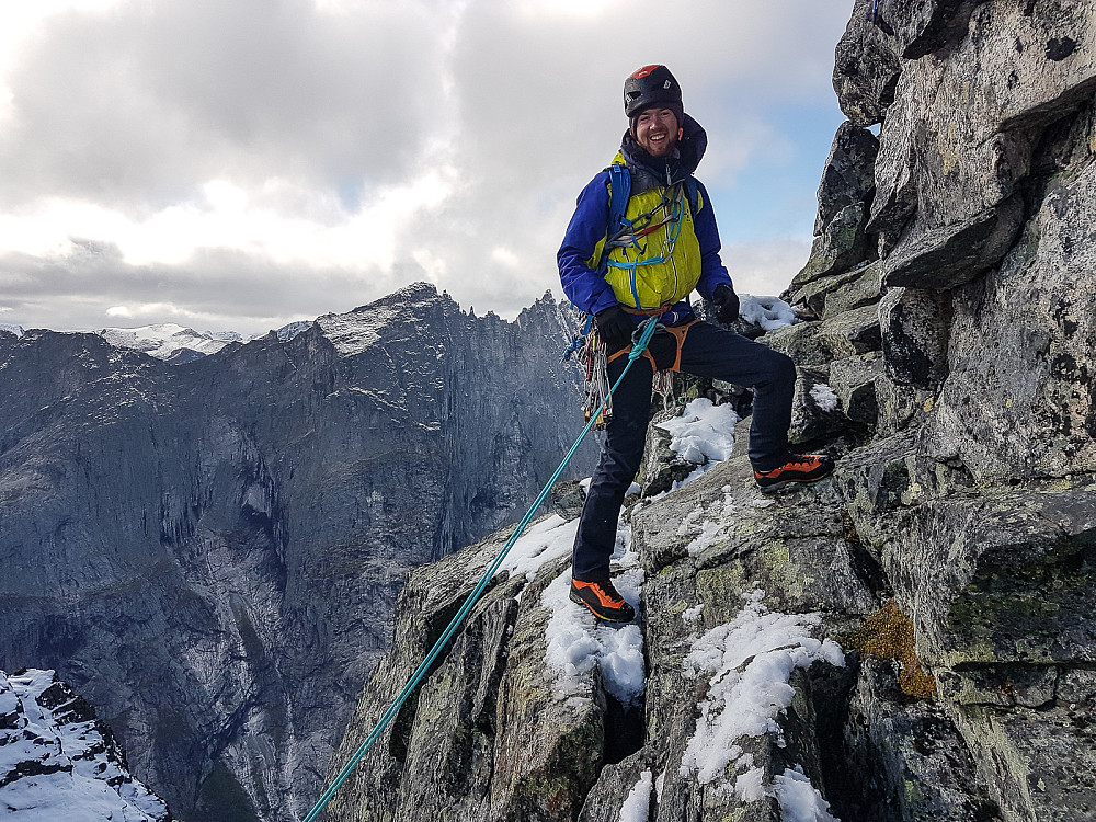 Romsdalshorn med Nortind.jpg