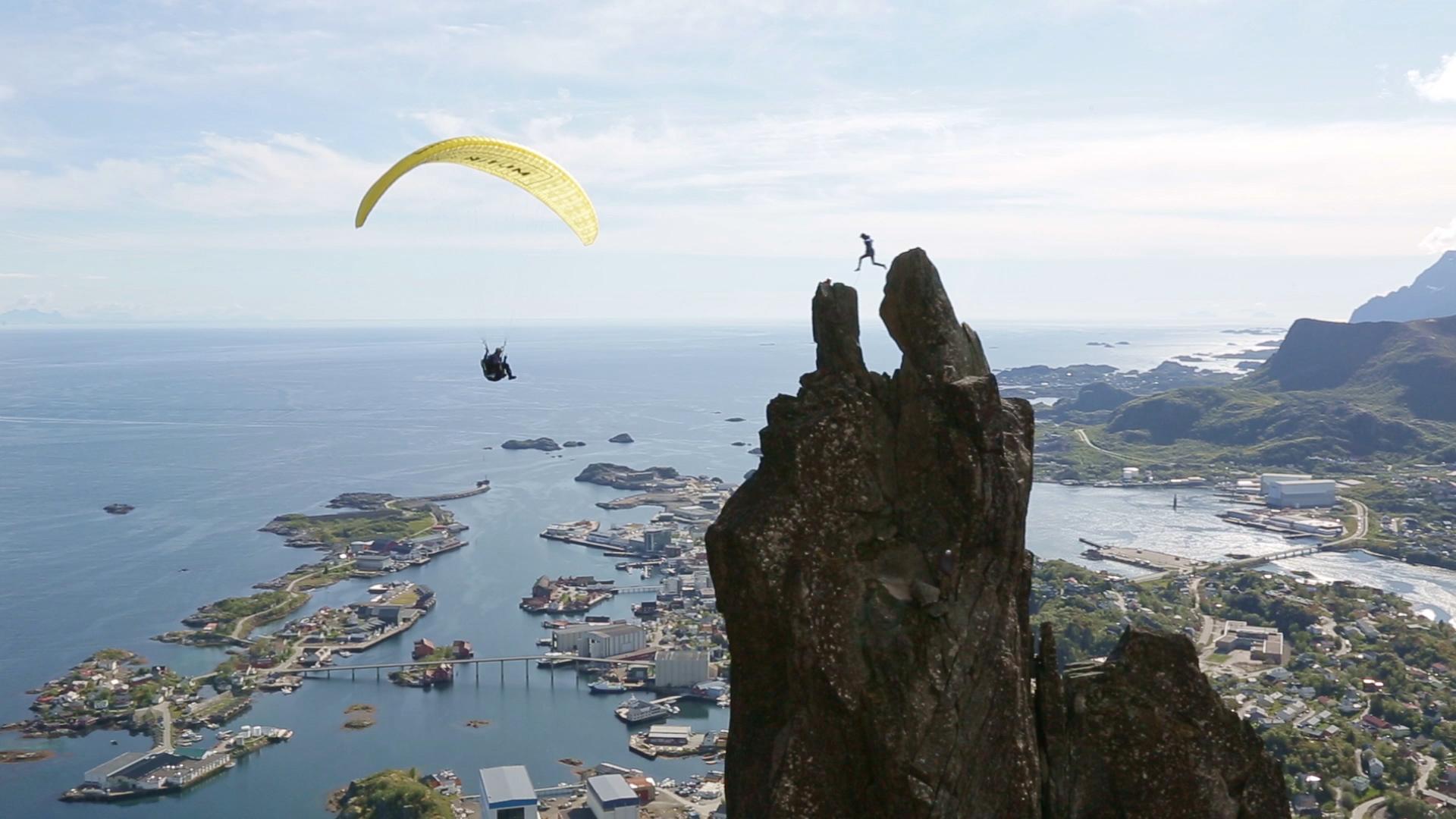 Bilderesultater for svolværgeita paraglider