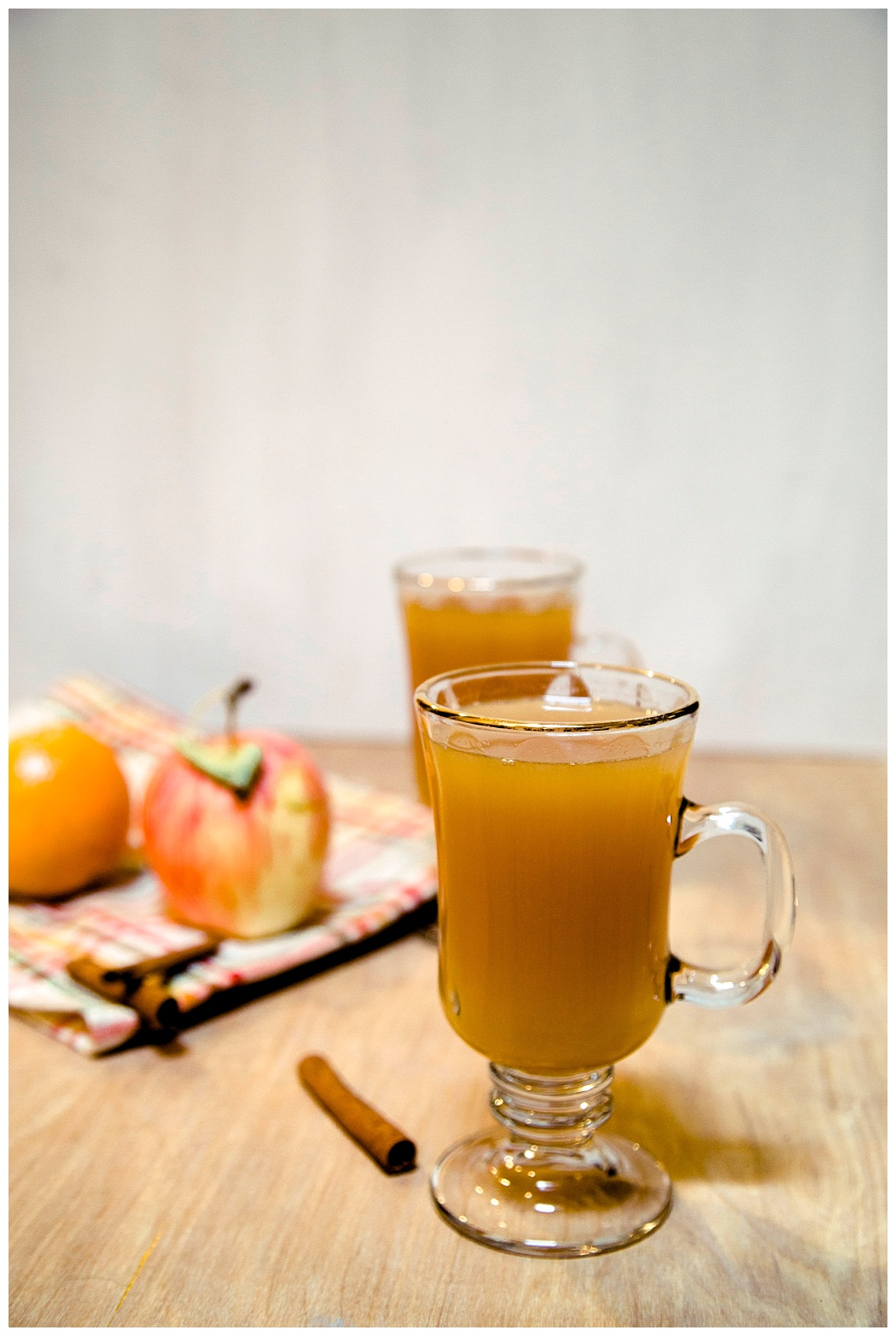 Homemade Cider with Essential Oils | Typically Jone_quick and easy essential oil cider_3.jpg