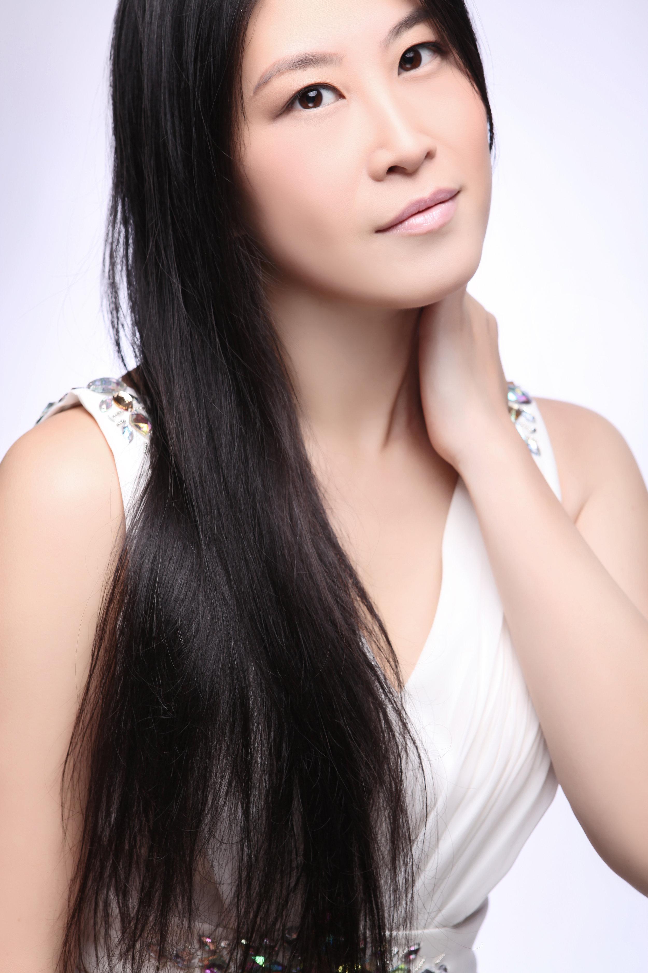 Hsing-Ay Hsu, piano