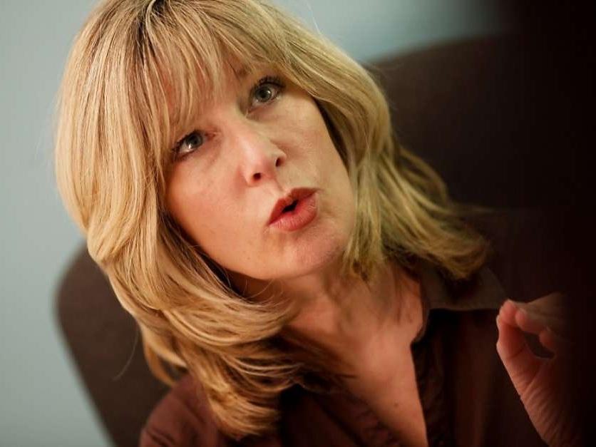 Kathy%2BKennedy%2BVoice%2BCoach%2B920x920.jpg