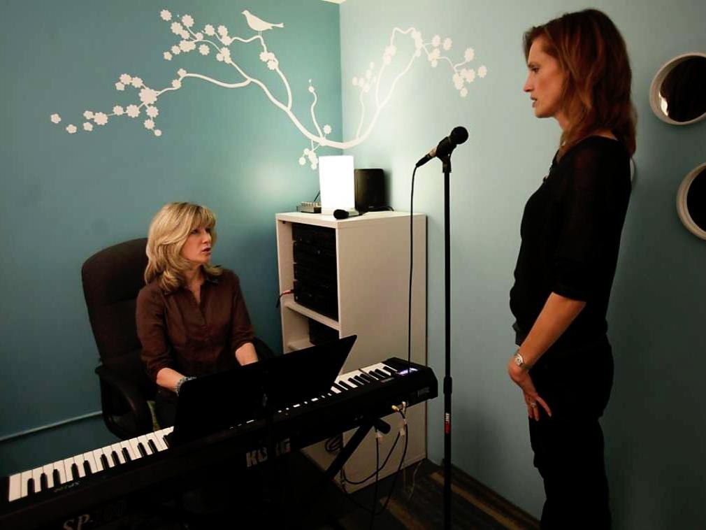 Kathy+Kennedy+voice+coach+1024x1024.jpg