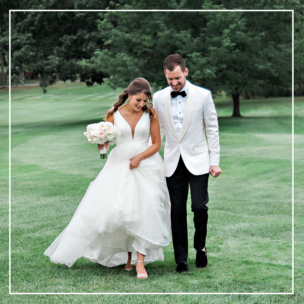 braeburn-country-club-bride-groom-golf-nicole-chaput-photography-wedding.jpg