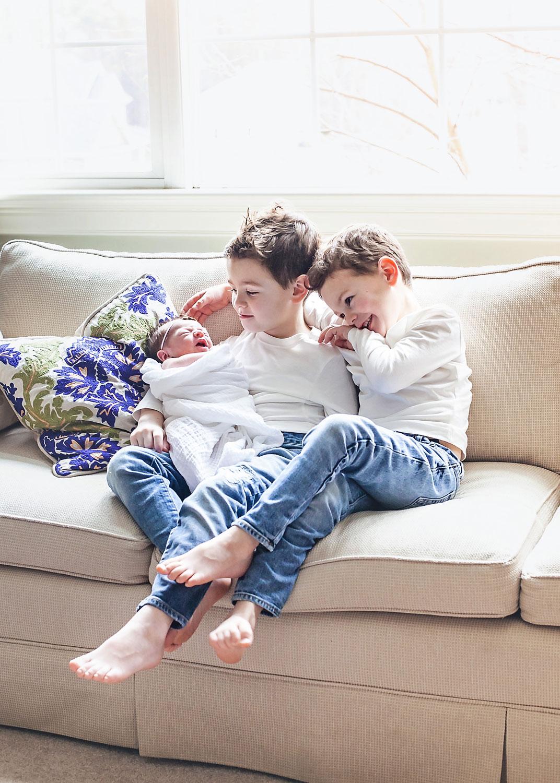 newborn-girl-brothers-siblings-massachusetts-baby-nicole-chaput-photography.jpg