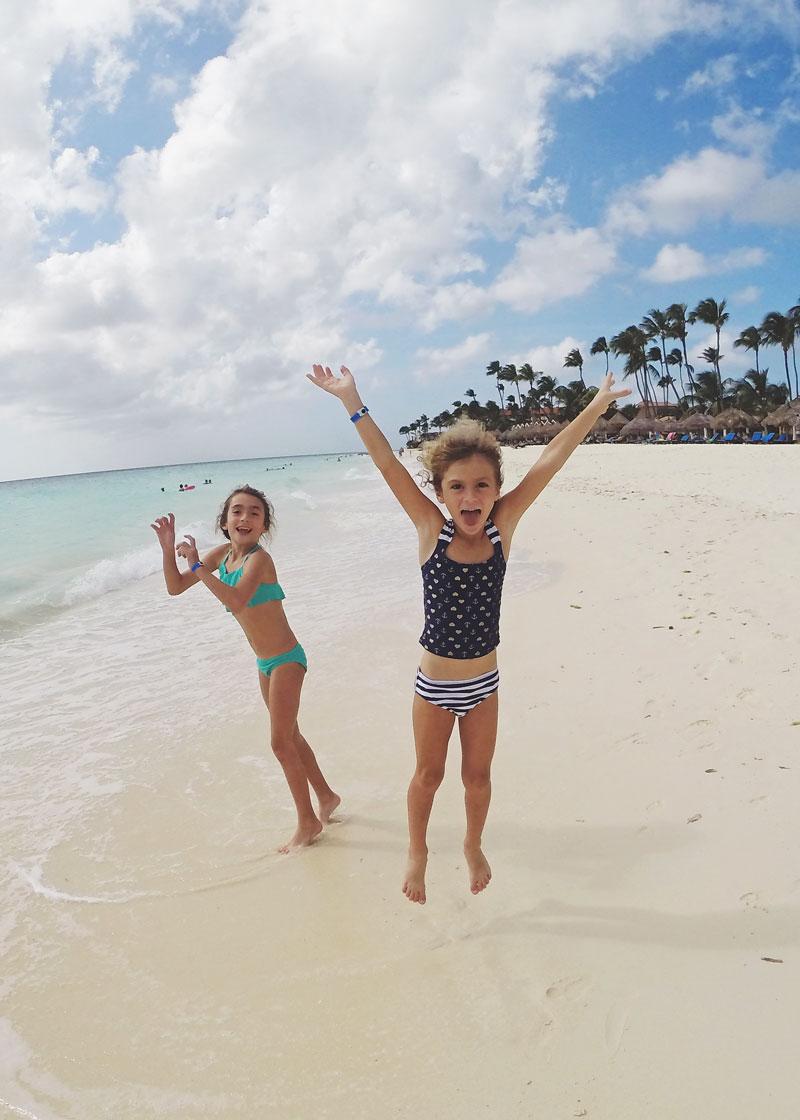 faye-fiona-aruba-beach.jpg