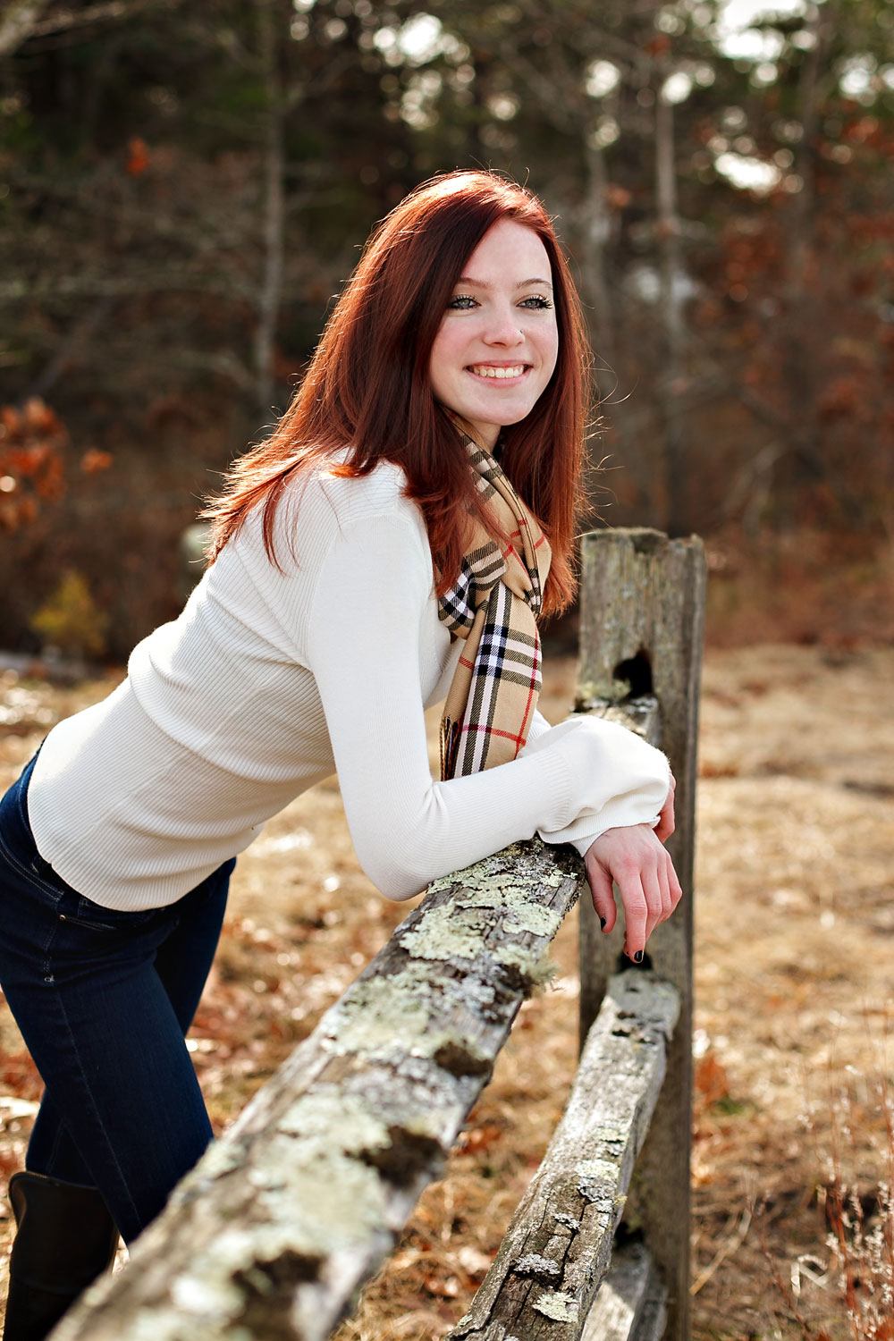 emily-highschool-senior-girl-norwood-massachusetts-fence-cranberry-bog-autumn-wareham-nicole-chaput-photography-001.jpg