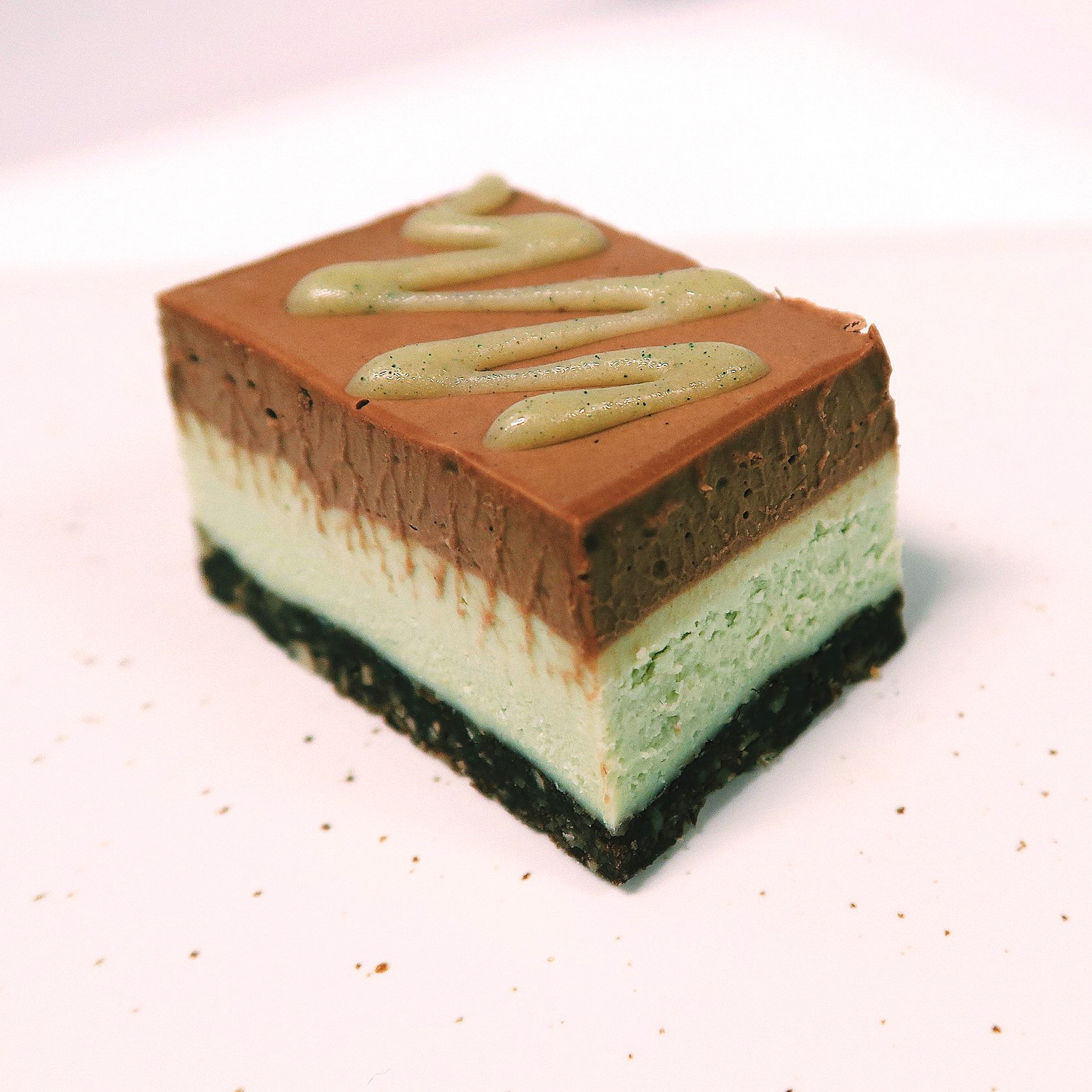 AFTER 8 MINT BITE Ingredients:  Coconut cream,  cashews , coconut oil, coconut sugar,  hazelnut , avocado, sunflower seeds, dates, agave, cocoa butter, cacao powder, toco,  soya lecithin , mint oil extract, psyllium, salt, spirulina.