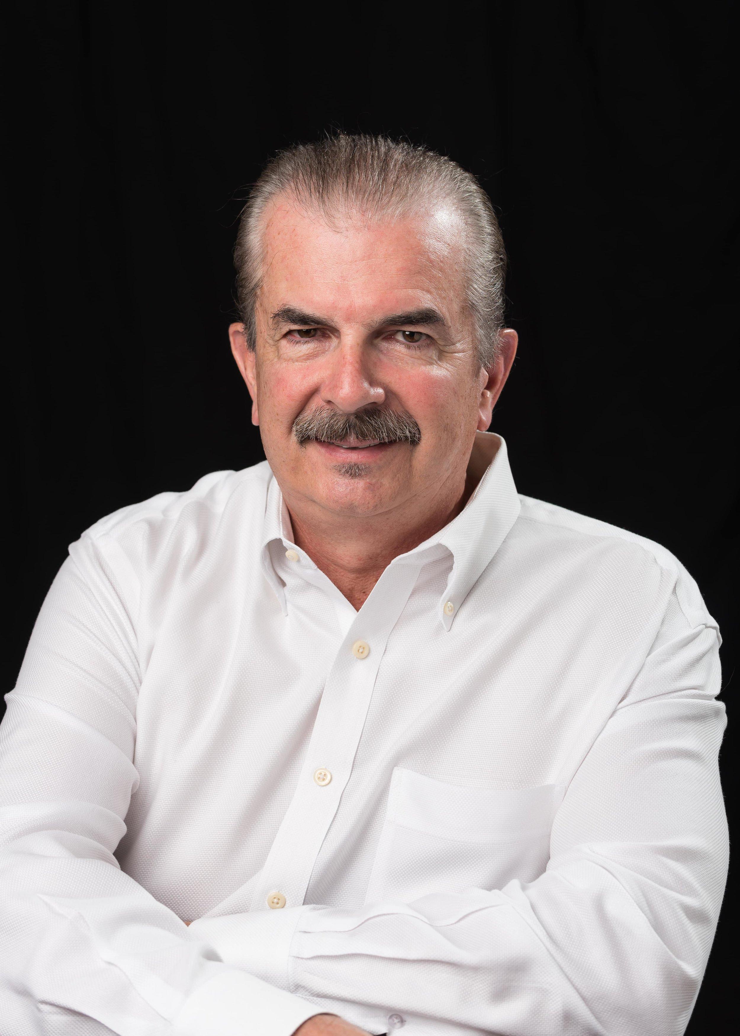 Professional Headshot Tony-CC0114.jpg