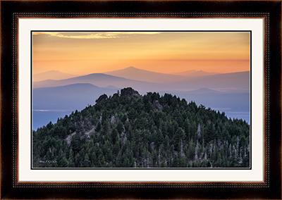Paulina Peak Sunset (171838LND8) 24x36F 20x32P black rustic w-b.jpg